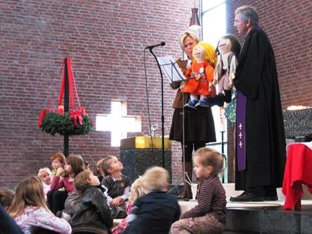 """Familiengottesdienst """"Wir feiern Advent"""" mit Emili und Matze."""" zum 1. Advent am 29. November 2009 in der Bergkirche"""