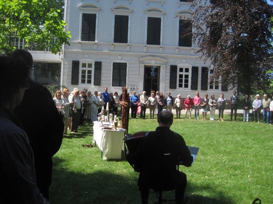 Gemeinsamer Gottesdienst der Maria-Magdalena- und der Dreikönigsgemeinde an Himmelfahrt am 02. Juni 2011 im Park der Villa Metzler