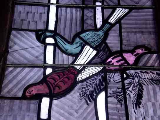 Peacocks - Ausschnitt aus Nordfenster von Charles Crodel, Dreikönigskirche
