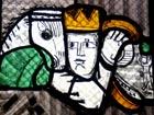 König im Sakristeifenster