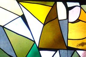 Glasfenster - vom Künstlerehepaar Gisela und Alexander Dietz-Hornung geschaffenen 'Geh aus mein Herz und suche Freud'