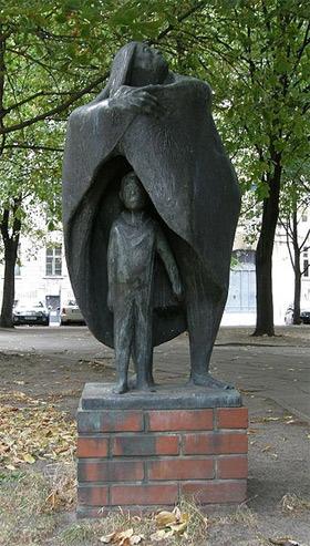 'Mutter und Kind', 1965, Theo Balden (2008, Axel Mauruszat)
