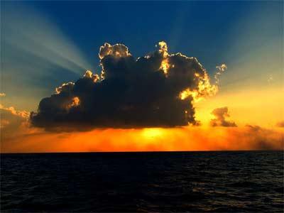 'cloud illuminated by sunlight', 2006 - Ibrahim Iujaz from Rep. Of Maldives