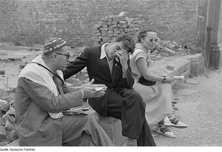'Begegnungen von Weltfestspielteilnehmern', 1951, Roger Rössing, Renate Rössing