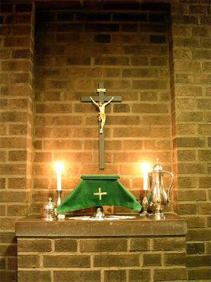'Klädd nattvardskalk (grön) i sakristian i Grängesbergs kyrka', 2010, Taxelson