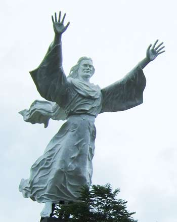 Christ Blessing Monument, Manado, Indonesia, 2008, Midori