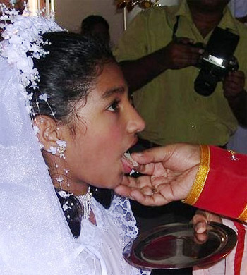 'First Communion in India', CC-BY-2.0 , 2007