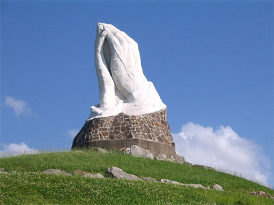 'Photo of the Praying Hands statue in Web City, Missouri', Abe Ezekowitz, 2008