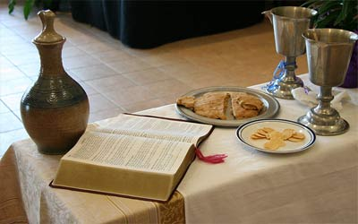 'Communion setting at an Evangelical Lutheran Church in America worship service', 2010, Jonathunder