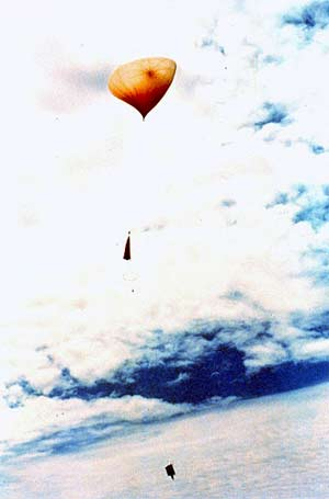 'Rawinsonde weather balloon', 2009, Softwarehistorian