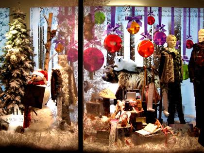 Weihnachtliches Schaufenster in Frankfurt am Main, 2011, PSch