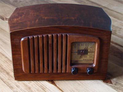 'Vacuum tube radio', 2009, Armstrong1113149