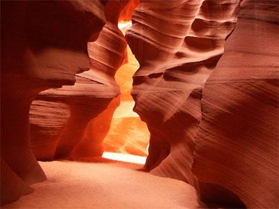 'Antelope Canyon im US-Bundesstaat Utah', 2003, Meckimac. GNU Free Documentation License.
