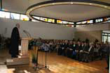 Farben, Lichtkranz, Fest!  Wiedereröffnung des renovierten Gemeindezentrums am 2. Februar 2014