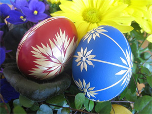 'Red and blue Easter eggs', By: Pål Berge