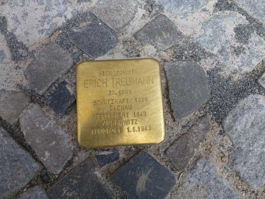 Stolpersteinverlegung für Erich Treumann