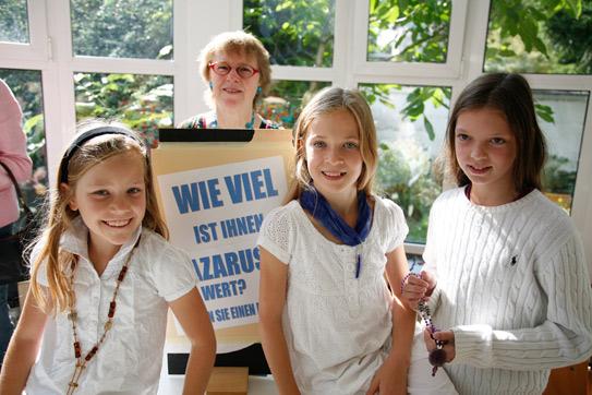 'Schmuckverkauf zum Sommerfest 2009', 2009, AB